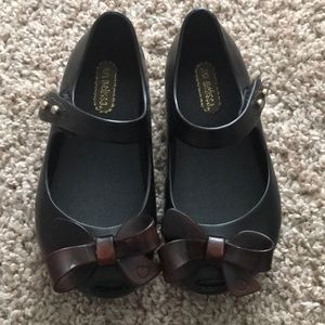 Mini Melissa Mary Janes- Black with dark brown bow